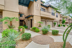 Beautiful 2 bed/2 bath ground floor condo conveniently located to clubhouse and pool