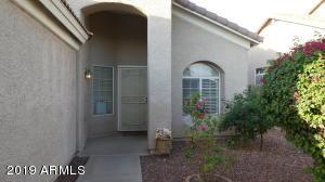 1930 E OAKLAND Street, Chandler, AZ 85225