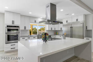 6821 E VOLTAIRE Avenue, Scottsdale, AZ 85254