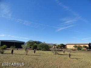 48048 N 513 Avenue, Aguila, AZ 85320