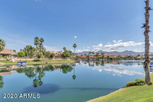 10080 E MOUNTAINVIEW LAKE Drive, 266, Scottsdale, AZ 85258