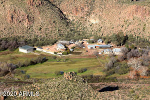 ~30 Acres - Gentleman's Ranch - Helicopter Retreat - Survivalist Camp - ~ An hour and a half East of Phoenix