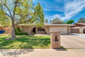 1207 W CHEYENNE Drive, Chandler, AZ 85224