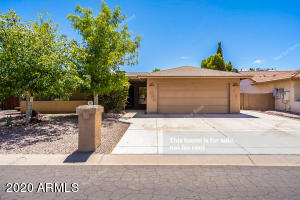 26033 S HOLLYGREEN Drive, Sun Lakes, AZ 85248