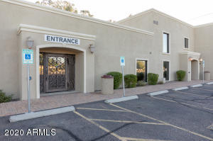 605 N GILBERT Road, Mesa, AZ 85203
