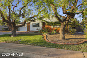 8320 E CLARENDON Avenue, Scottsdale, AZ 85251