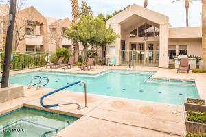 1295 N ASH Street, 725, Gilbert, AZ 85233