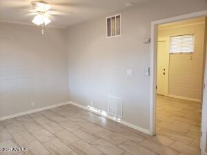 210 E JONES Avenue, 9, Phoenix, AZ 85040