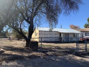 237 W LINDBERGH Avenue, Coolidge, AZ 85128