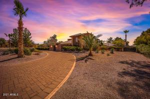 9843 E CLINTON Street, Scottsdale, AZ 85260