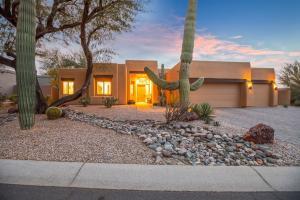 9427 E MARK Lane, Scottsdale, AZ 85262