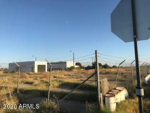51144 W POWELL Street, Aguila, AZ 85320