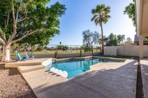 6155 W IRMA Lane, Glendale, AZ 85308