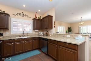Bella Vista, Scottsdale, Gated, Community Pool, 2 bed, 2 bath, fireplace