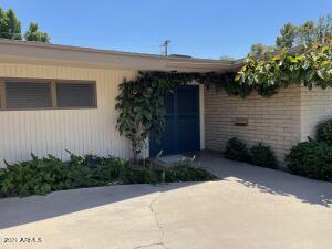 517 W FAIRWAY Circle, Mesa, AZ 85201