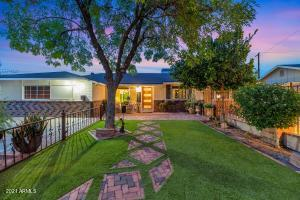 Welcome to the exclusive community of Cox Heights in South Scottsdale!