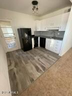 2633 W BERRIDGE Lane, 223, Phoenix, AZ 85017