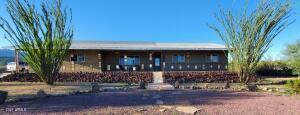 19080 E INDIAN HILLS Drive, Black Canyon City, AZ 85324