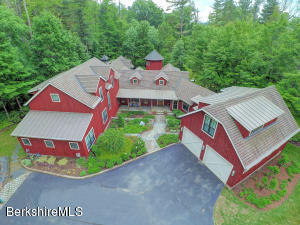 5 Pinecroft Dr, Lenox, MA 01240