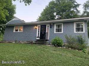 6 B St, North Adams, MA 01247