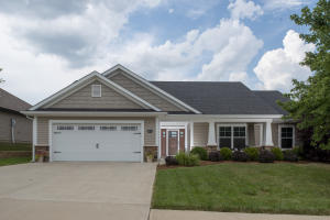 Impeccably maintained home, better than new!