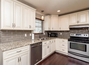 1509 N MAPLEVIEW DR, COLUMBIA, MO 65202