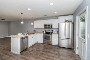 8713 W TRAILS WEST DR, COLUMBIA, MO 65202