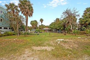 206 Arctic Avenue, Folly Beach, SC 29439