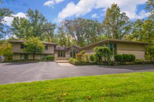 1903 Carriage Road, Powell, OH 43065
