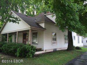 808 E Main Street, West Frankfort, IL 62896
