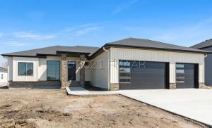8808 LOST RIVER Road, Horace, ND 58047