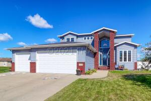 1114 SOUTHWOOD Drive, Dilworth, MN 56529