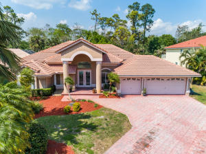 Property for sale at 576 Cypress Green Circle, Wellington,  Florida 33414