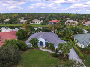 Property for sale at 17081 Gulf Pine Circle, Wellington,  Florida 33414