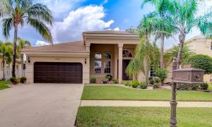 Property for sale at 6546 Stonehurst Circle, Lake Worth,  Florida 33467