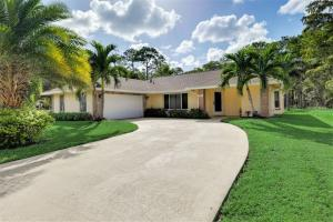 941 Azure Avenue, Wellington, FL 33414