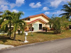 2469 Sun Up Lane, Lantana, FL 33462