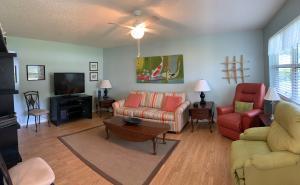340 Horizon W, 104, Boynton Beach, FL 33435