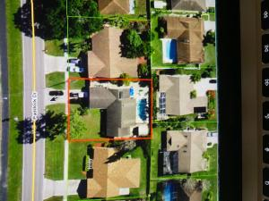 13910 Paddock Drive, Wellington, FL 33414