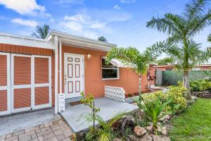 3008 E Palm Drive, Boynton Beach, FL 33435