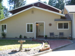 655 Gibson Creek Road, Whitethorn, CA 95589