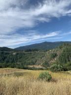 11 County Line Creek Road, Mad River, CA 95526
