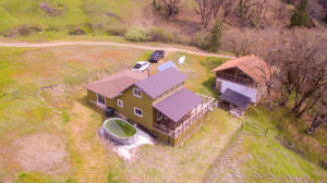 706 River Road, Mad River, CA 95526