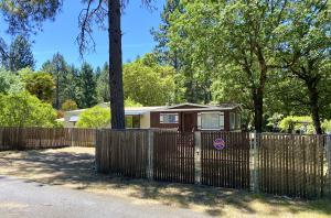 92 Oak Lane, Willow Creek, CA 95573