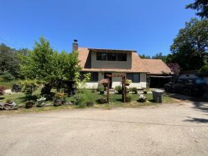 70 Cedar Lane, Redway, CA 95560