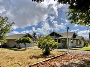 1235 Ross Hill Road, Fortuna, CA 95540