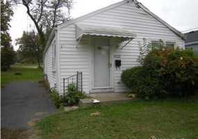1532 Huntoon Ave, Louisville, Kentucky 40215, 2 Bedrooms Bedrooms, 5 Rooms Rooms,1 BathroomBathrooms,Residential,For Sale,Huntoon,1344833