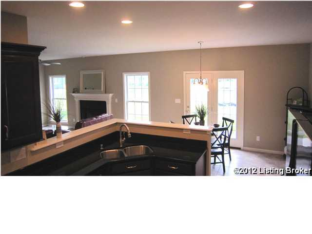 11407 Willow Branch Dr, Louisville, Kentucky 40291, 4 Bedrooms Bedrooms, 8 Rooms Rooms,3 BathroomsBathrooms,Residential,For Sale,Willow Branch,1346599