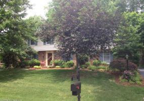 2905 Brownsboro Vista Dr, Louisville, Kentucky 40242, 4 Bedrooms Bedrooms, 13 Rooms Rooms,3 BathroomsBathrooms,Residential,For Sale,Brownsboro Vista,1391270