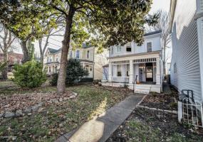 1746 Frankfort Ave, Louisville, Kentucky 40206, 3 Bedrooms Bedrooms, 5 Rooms Rooms,2 BathroomsBathrooms,Rental,For Rent,Frankfort,1497873